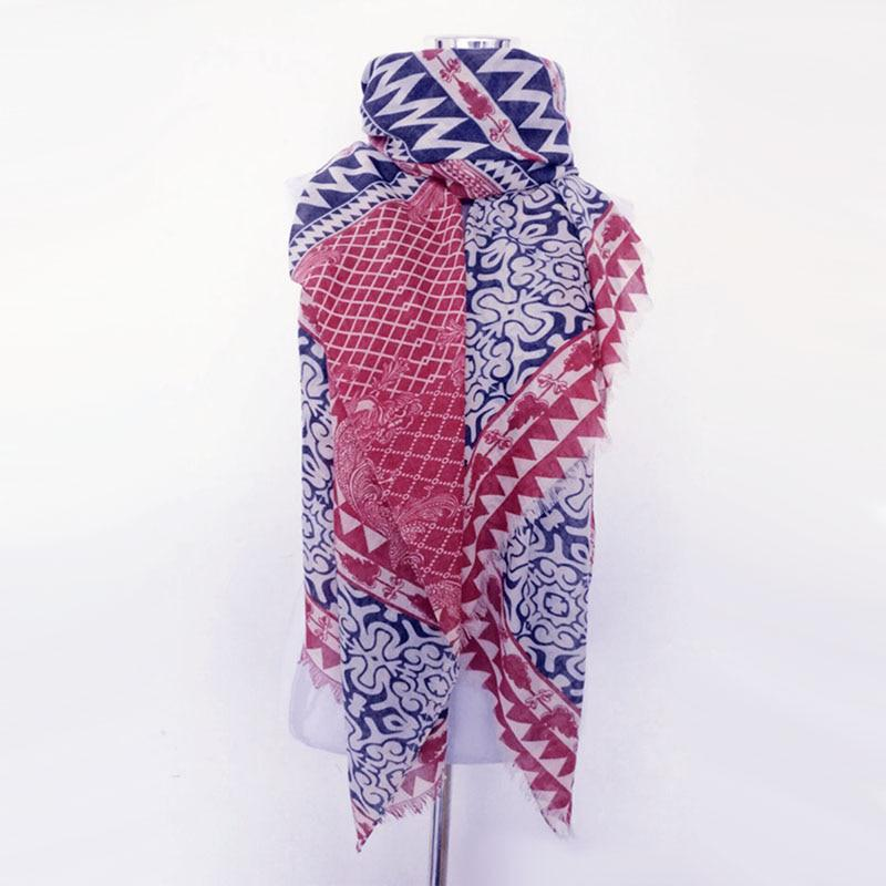Hot sale bandana new fashion woman Scarf square scarves Printed